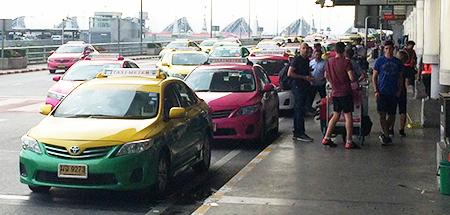 タイ空港のタクシー